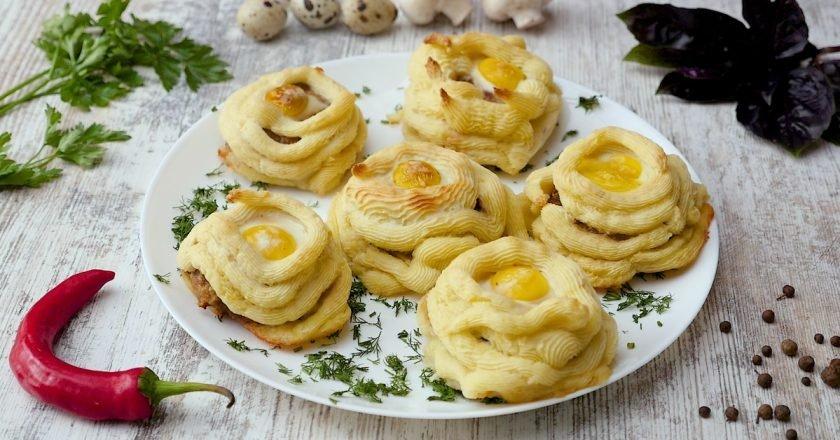 Как приготовить картофельные гнезда с котлетами
