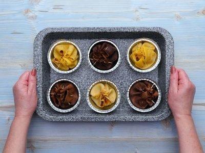 Как приготовить мешочки из блинов с шоколадом