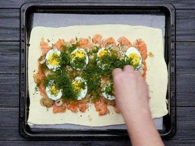 Как приготовить пирог с красной рыбой