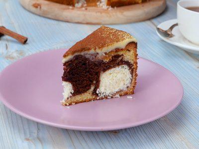 Как приготовить пирог с творожными шариками