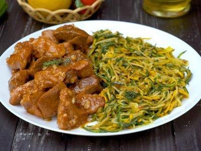 Как приготовить спагетти из кабачков со свининой