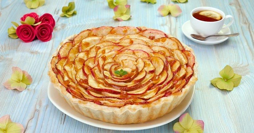 Как приготовить яблочный пирог с пудингом