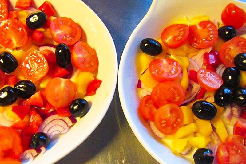 Риба в духовці з овочами