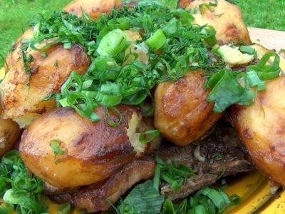 Картофель с мясом в казане