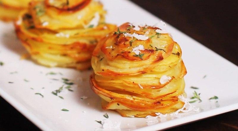картофель в формочках