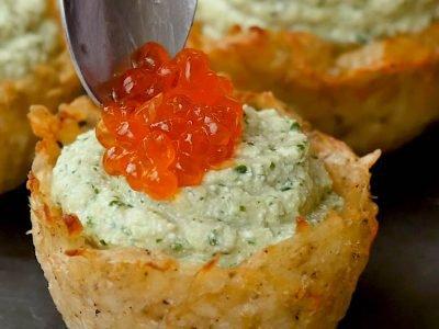 Картофельные корзинки с селедочным кремом