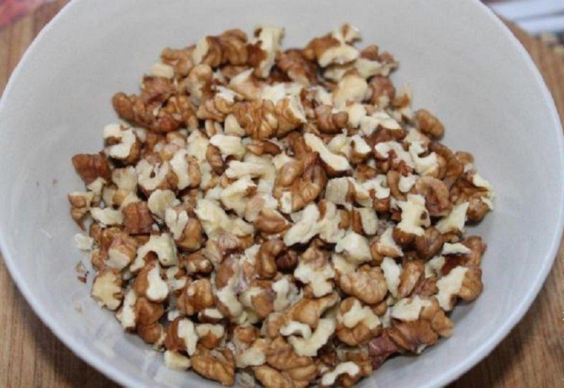 порубленные грецкие орехи