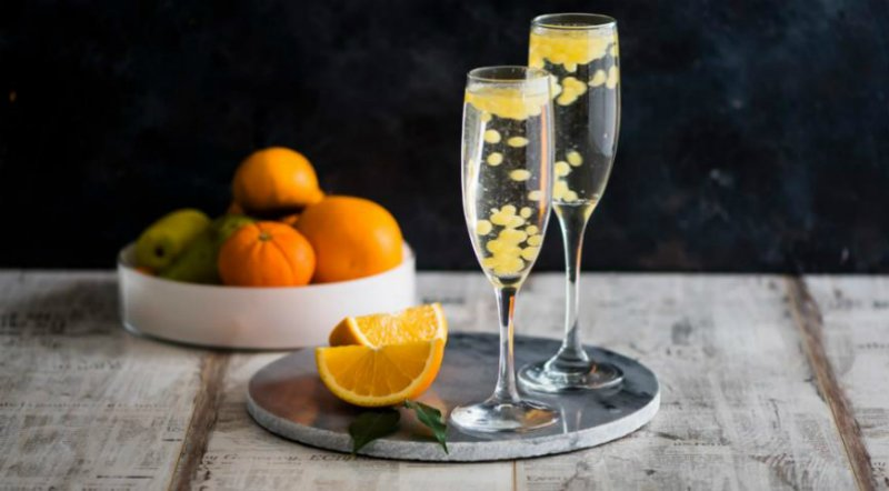 шампанское с икрой