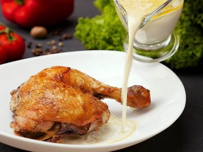 Курица в молочном соусе