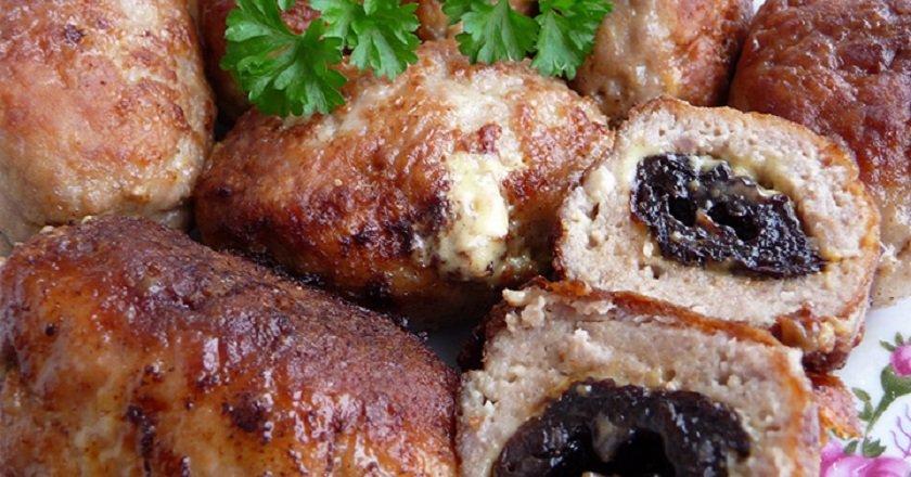 Куриные котлеты с черносливом