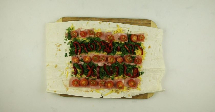 Лаваш з начинкою в духовці - готуємо з покроковими фото