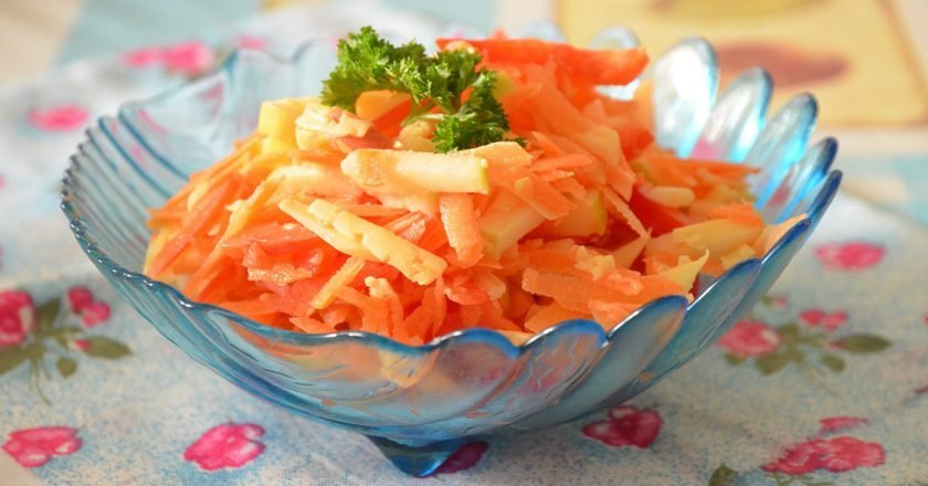Морковный салат с сыром