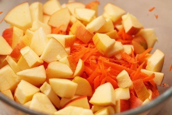 Рецепт из моркови и яблока