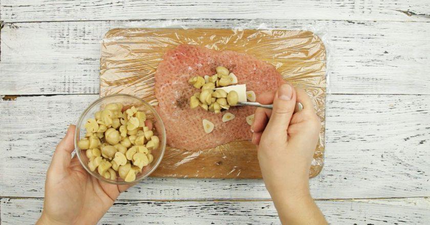 Мясные мешочки с грибами