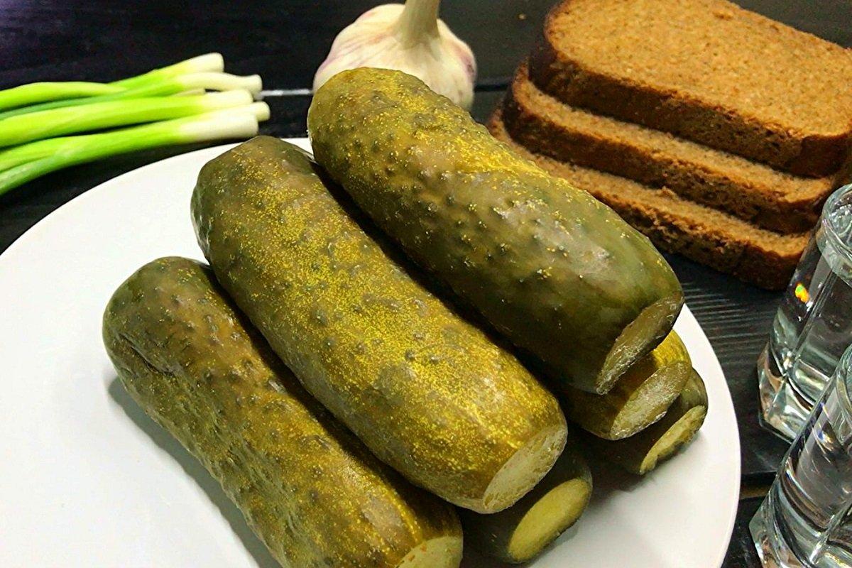 огурцы с хлебом