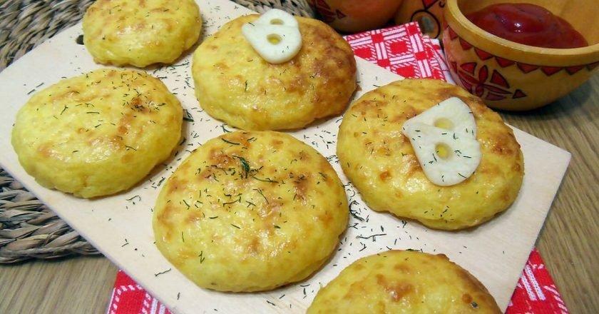 Оладки з картопляного пюре в духовці подивитися рецепт