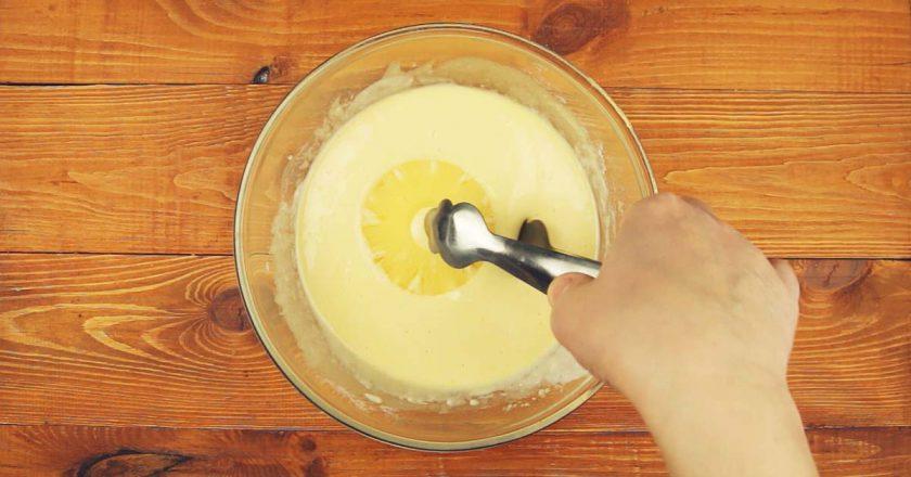 Оладки з ананасом - готуємо з покроковими фото