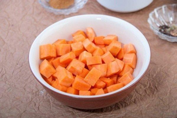 острая морковь в масле