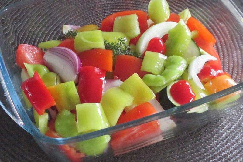 овощи в форме для выпекания