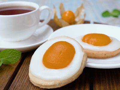 Печенье с абрикосами «Яичница»