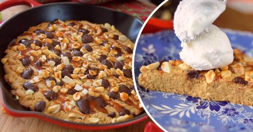 Печенье в сковороде
