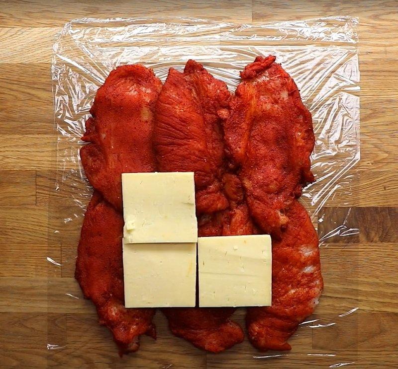 пирог с мясом и сыромп