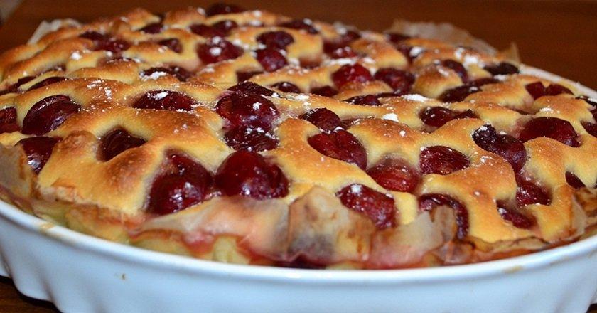 Пиріг з черешнею - готуємо з покроковими фото