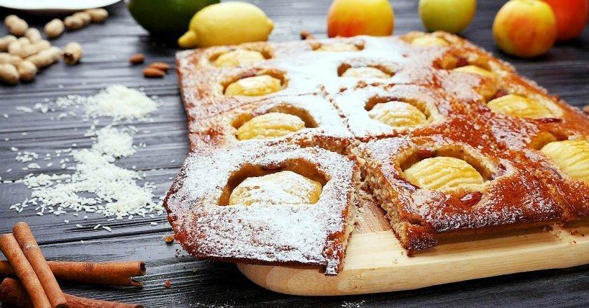 Пиріг з яблуками, мигдалем і кокосом - готуємо з покроковими фото