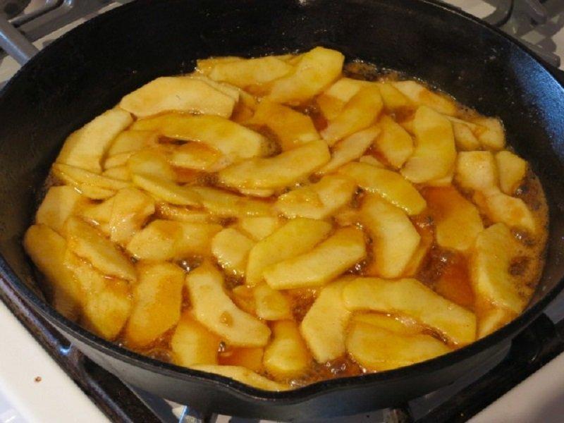 карамелизировать яблоки