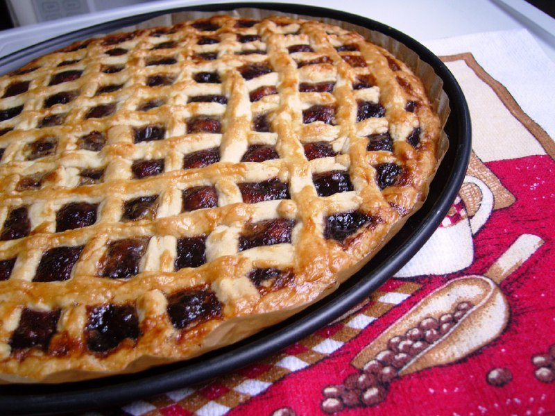 пирог со смородиновым вареньем