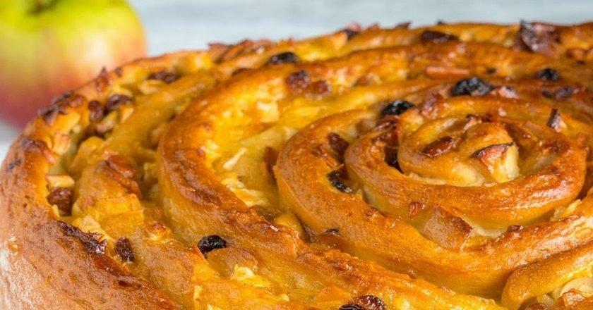 Пирог «Улитка» с яблоками