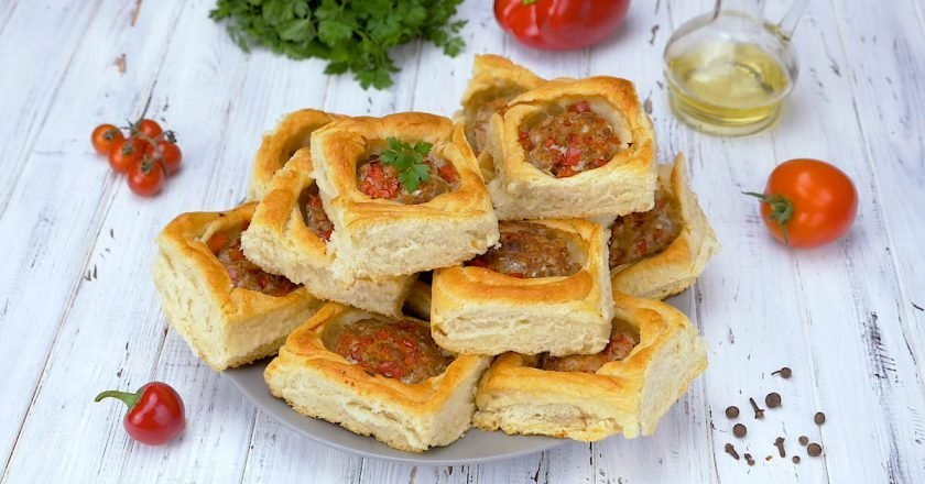 Слоеные пирожки с мясом «Гнездо птицы»