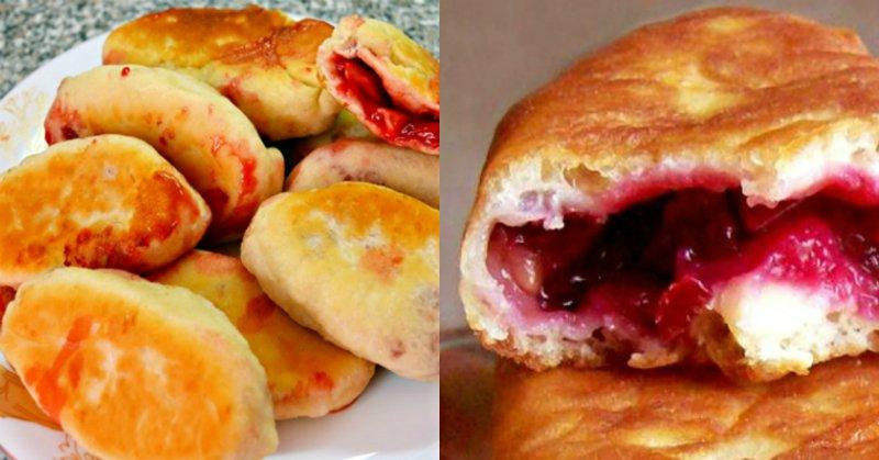 жареные пирожки с ягодами