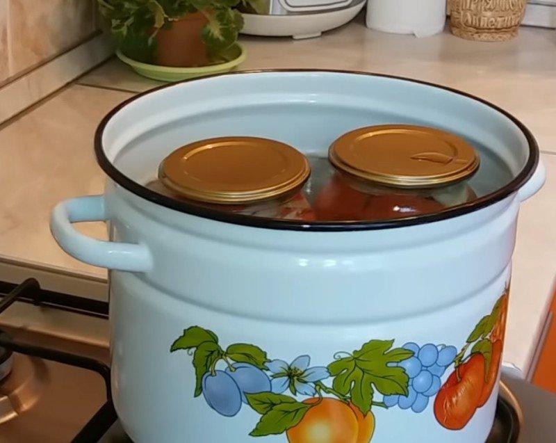 помидоры дольками с маслом на зиму