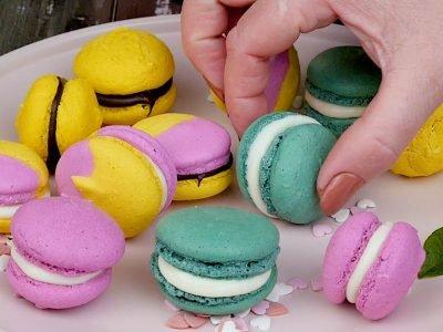 Разноцветные пирожные «Макарон»
