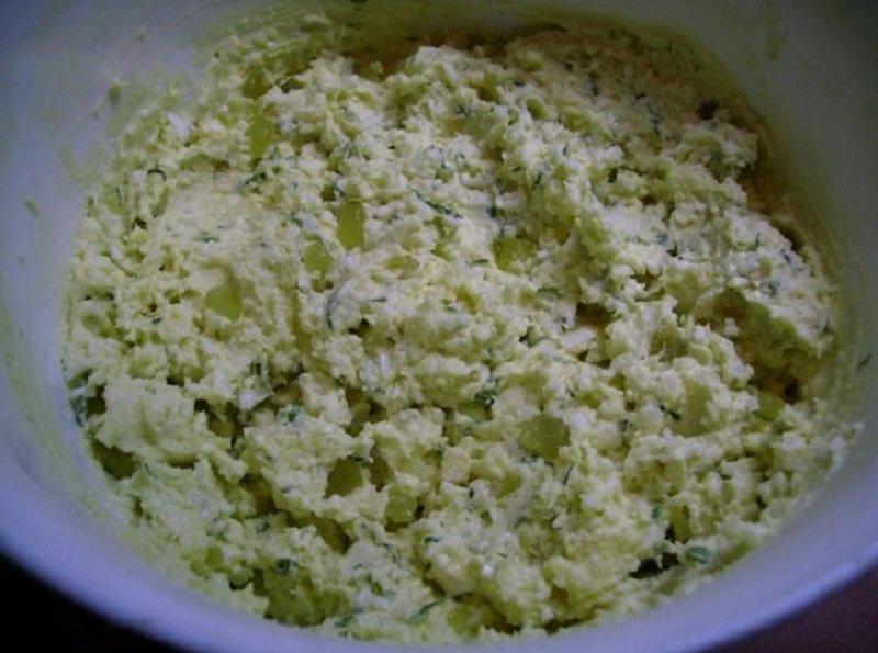 сваренный вкрутую яйца