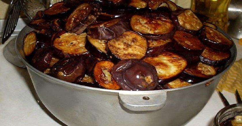 Салат из баклажанов с крекерами