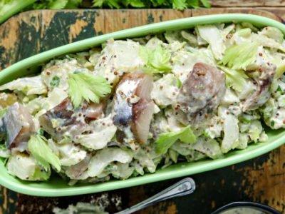 Салат из скумбрии с картофелем