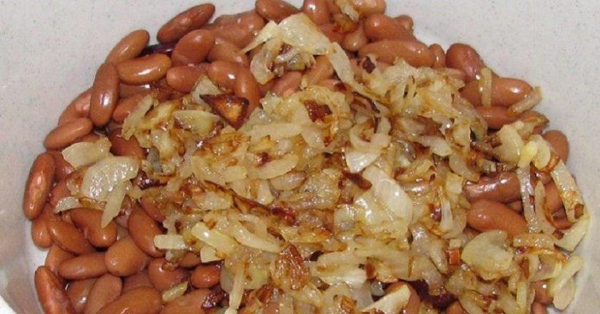 Салат с консервированной фасолью