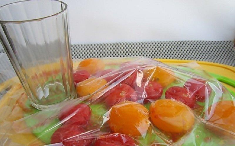 помидоры в пакете
