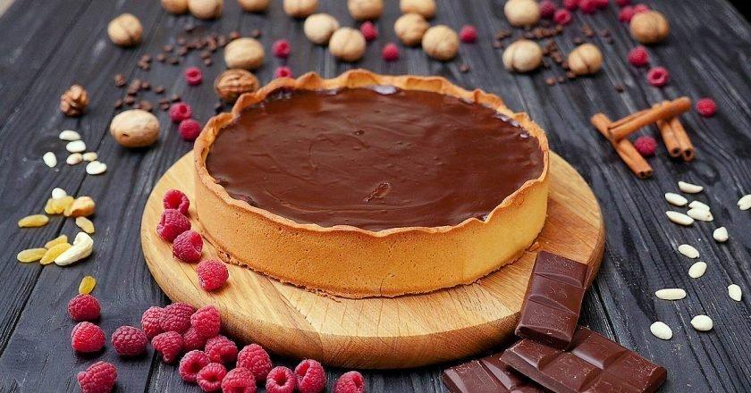 Шоколадно-малиновый тарт