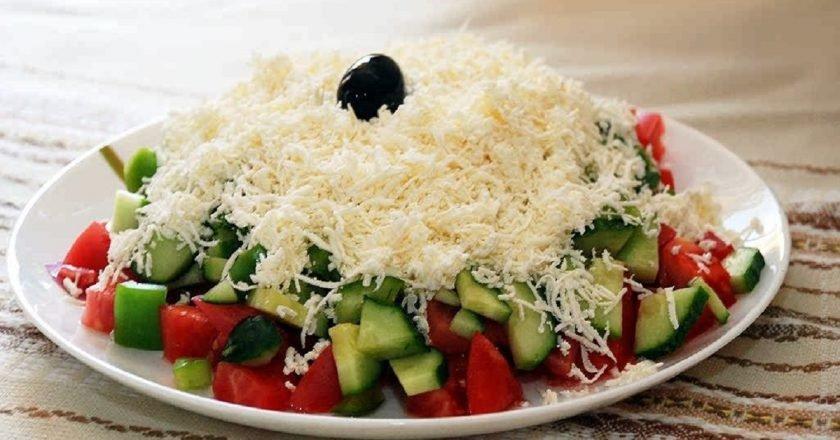 Шопський салат - готуємо з покроковими фото