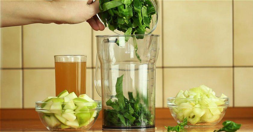 Смузи из шпината и сельдерея