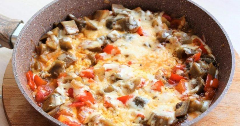 Соте з овочів з баклажанами і сиром подивитися рецепт