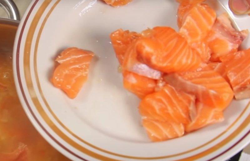 Суп з лосося за фінським рецептом