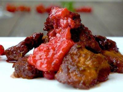 Свинина с ягодным соусом