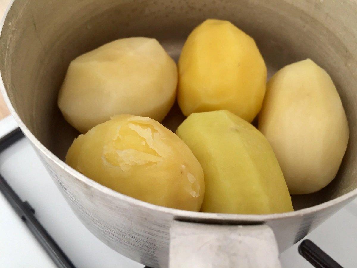 запеченный картофель с маслом