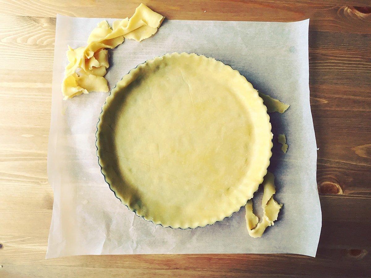 Домашній тарт з полуницею та заварним кремом