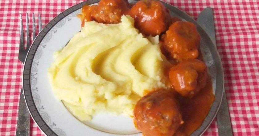 Тефтели с рисом в томатном соусе: ретрорецепт