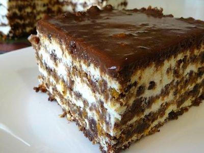 Торт без выпечки из сухарей